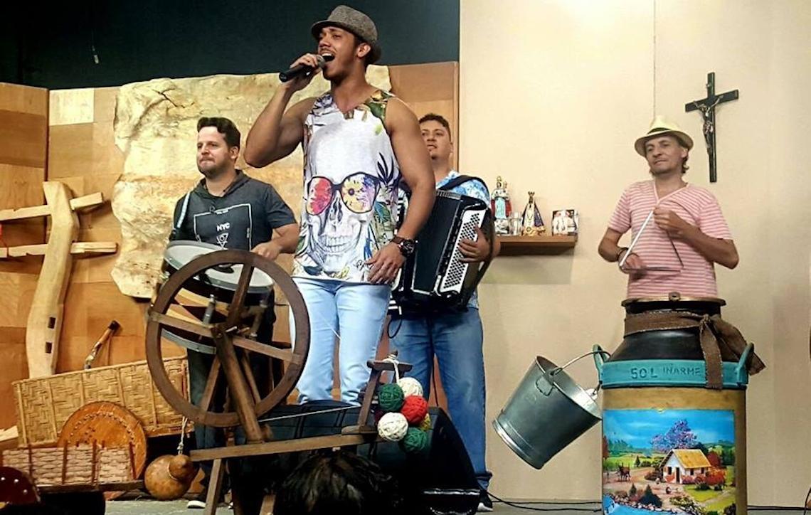 Banda Encosta N'eu abre a 33ª Festa Junina do Clube Nipo