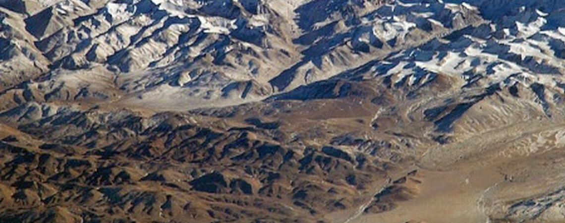 No Monte Everest. Governo do Nepal recupera 4 corpos e retira 11 toneladas de lixo da montanha