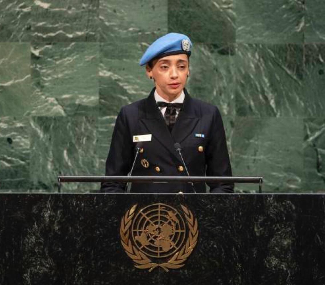 Capitã de corveta Márcia Andrade Braga, 44 anos é premiada por seu trabalho na África pela ONU