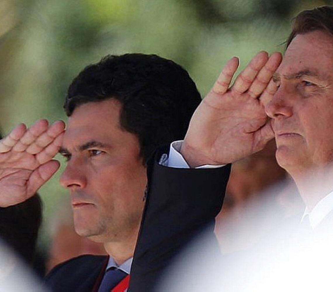 Bolsonaro diz que Sérgio Moro faz parte da história do Brasil: 'o que fez não tem preço'