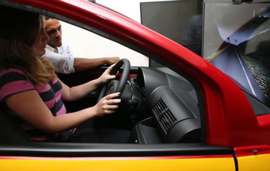 Governo brasileiro acaba com obrigatoriedade de simulador para tirar carteira de motorista