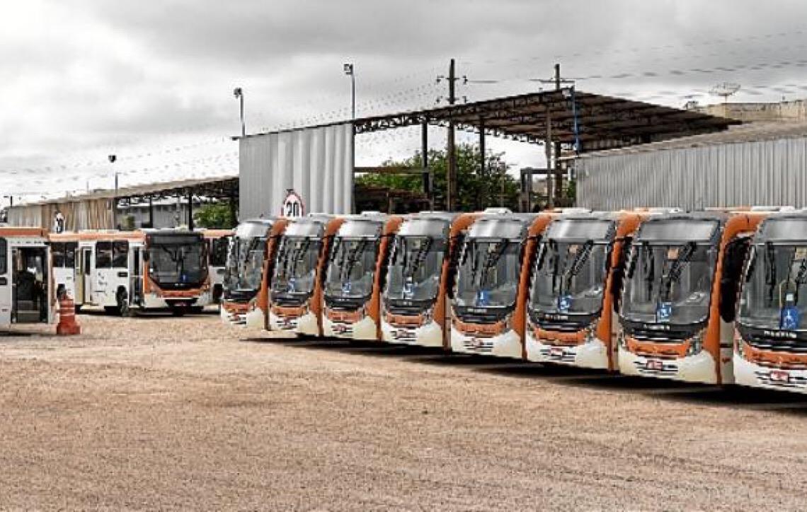 Greve atinge escolas públicas e transporte em Brasília