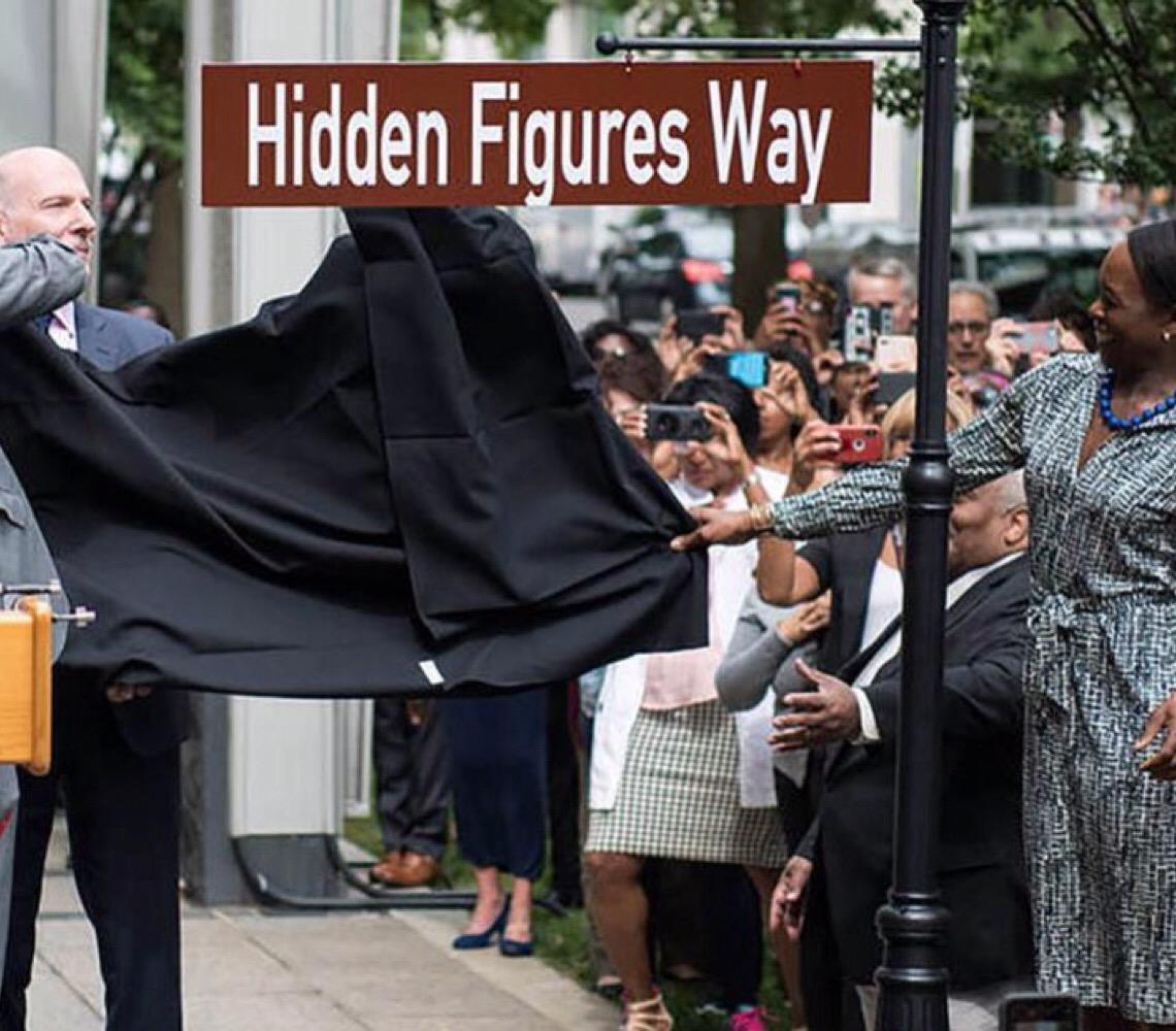 Em Washington. Nome de rua homenageia matemáticas negras da Nasa