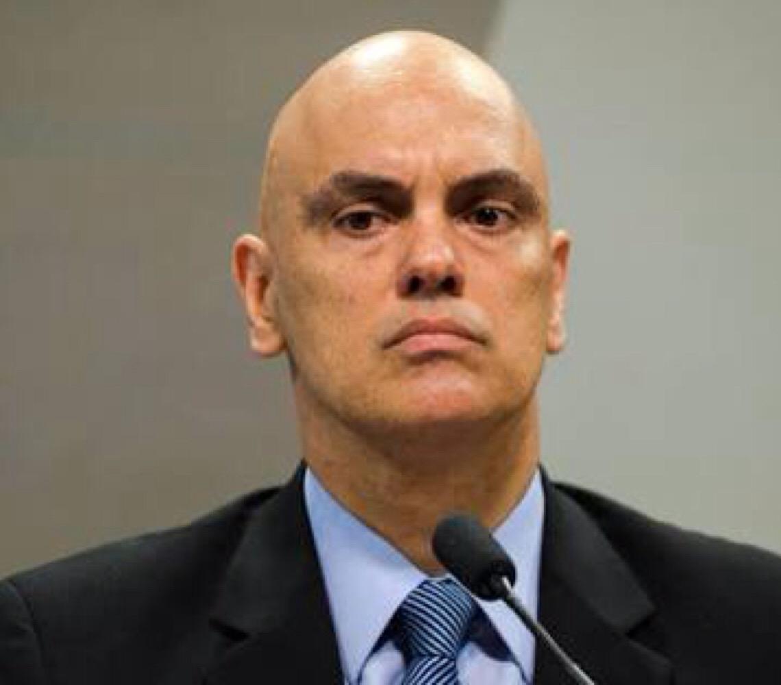 Ministro do Supremo Alexandre de Moraes defende hackers na prisão
