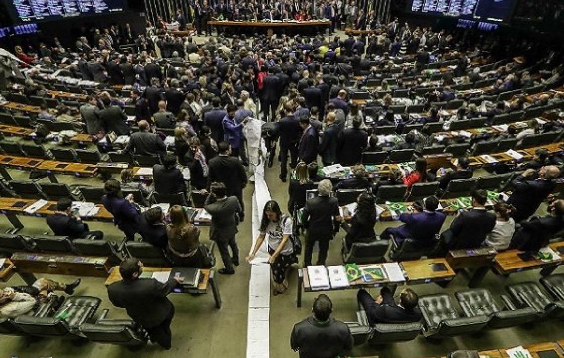 Com 379 votos, Câmara aprova a reforma da Previdência em 1º turno