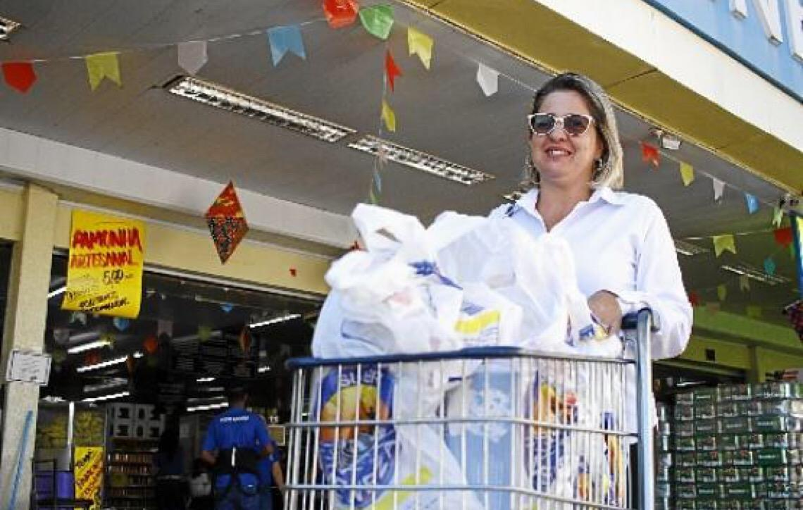 Sacolas plásticas serão proibidas no comércio de Brasília