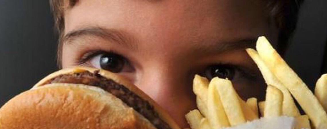 Estudo mostra que adolescentes de faixas carentes estão mais obesos no Brasil