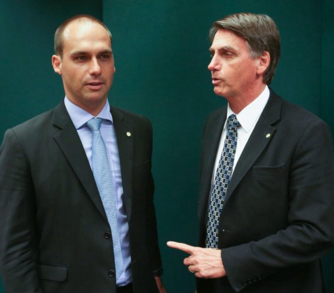 Controladoria-Geral da União alega que a legislação não impede Bolsonaro de nomear o filho