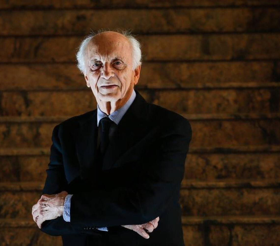 'Sem precedente em países civilizados', afirma Rubens Ricupero sobre nomeação de Eduardo Bolsonaro