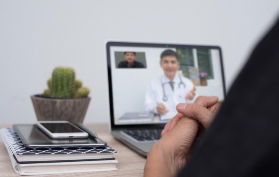 Entidades médicas brasileiras questionam práticas de telemedicina
