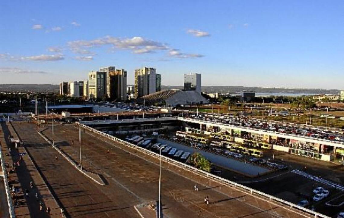 Obras em andamento. Ferida aberta no coração de Brasília
