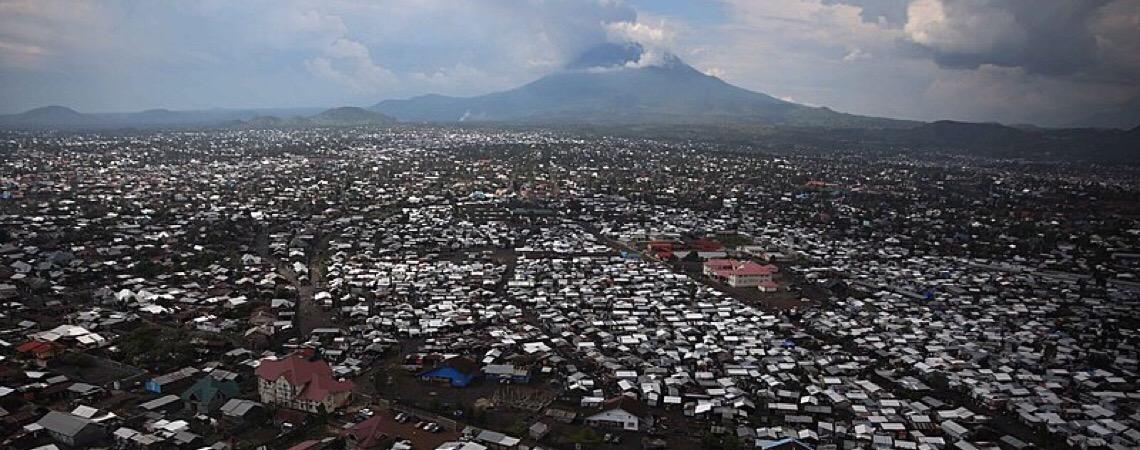 Vírus Ebola chega a metrópole na África Central e amplia risco de se espalhar