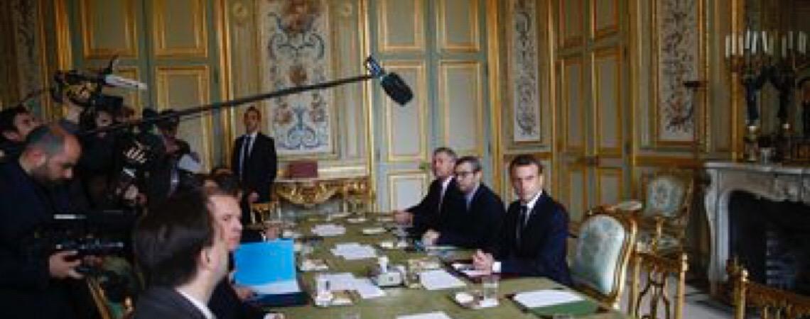 Presidente da França. Emmanuel Macron se esforça para manter acordo nuclear de pé