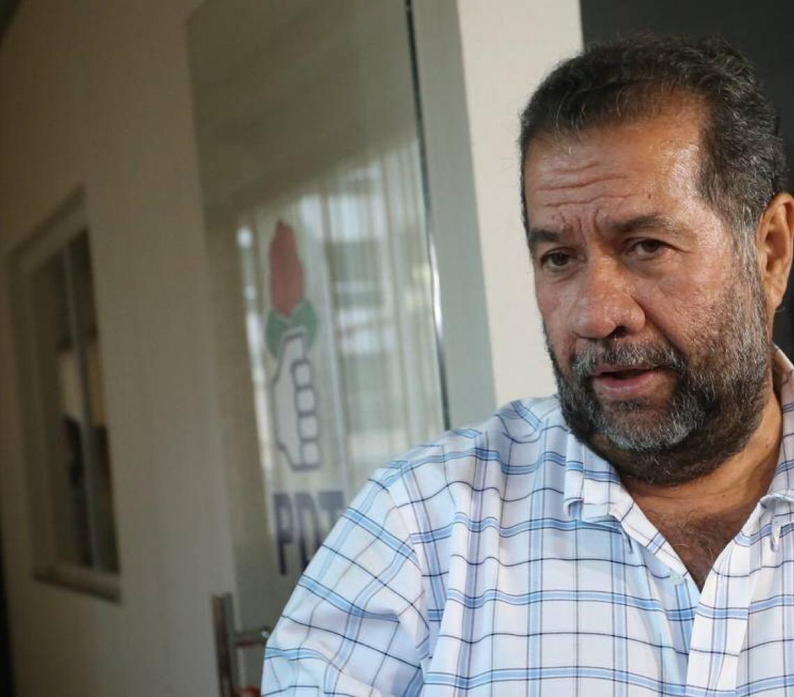 Carlos Lupi trabalha com força total para expulsar os oito dissidentes que apoiaram a reforma