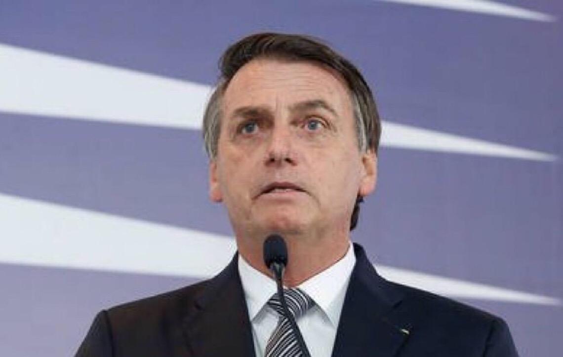 Por que não te calas Jair Messias Bolsonaro?