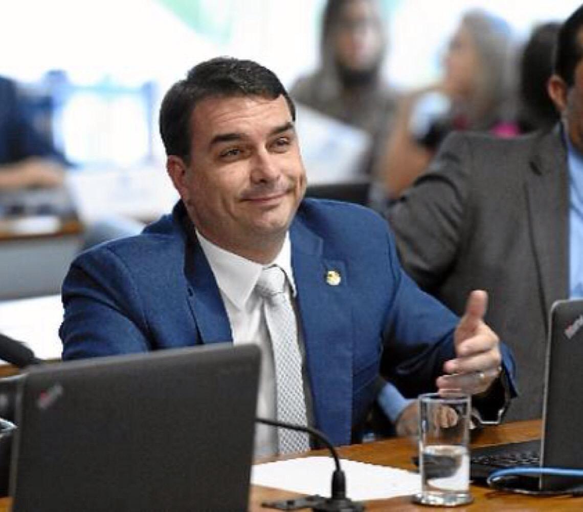 Inteligência no combate ao crime. Pedido do senador Flávio Bolsonaro levou à suspensão de investigações