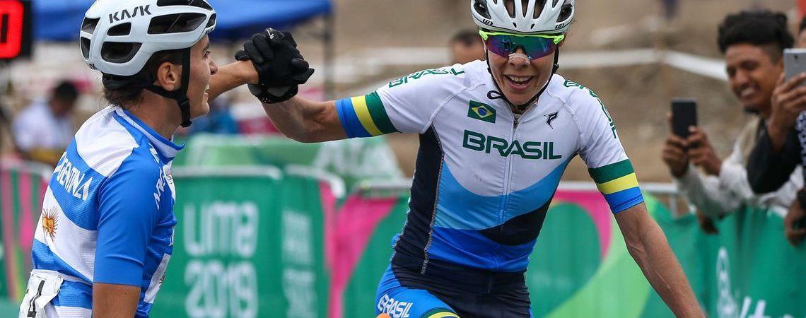Brasileira conquista medalha de bronze no mountain bike