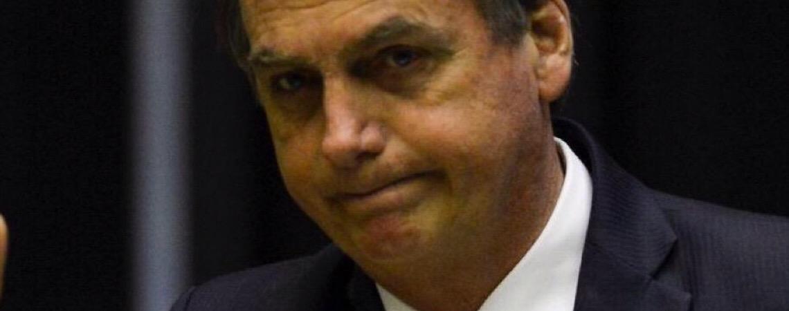 Presidente Jair Bolsonaro sofre pressão para vetar lei de abuso