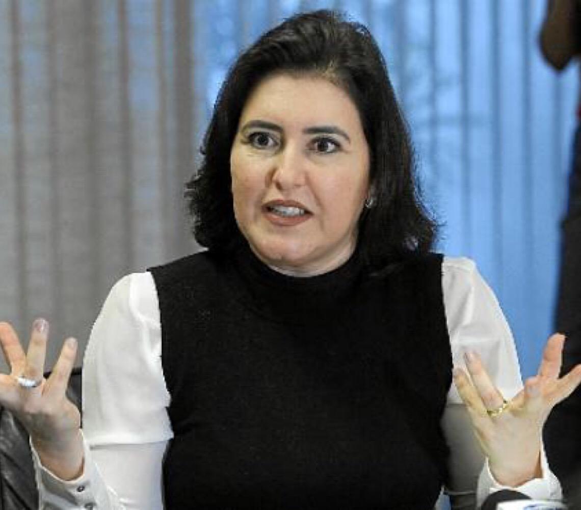 Simone Tebet.  'Bolsonaro ainda não vestiu o terno de presidente'