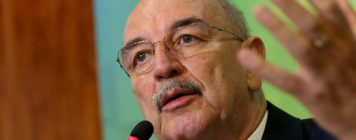 Ministro Osmar Terra volta a criticar presidente da Anvisa por proposta sobre plantio de cannabis