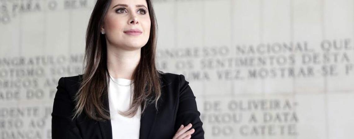 """Deputada Caroline de Toni sobre universidade. """"Alunos voltam querendo destruir valores"""""""