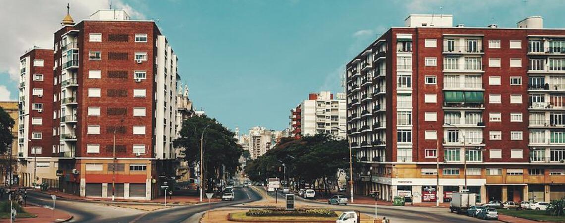 China quer investir na produção de carros elétricos no Uruguai