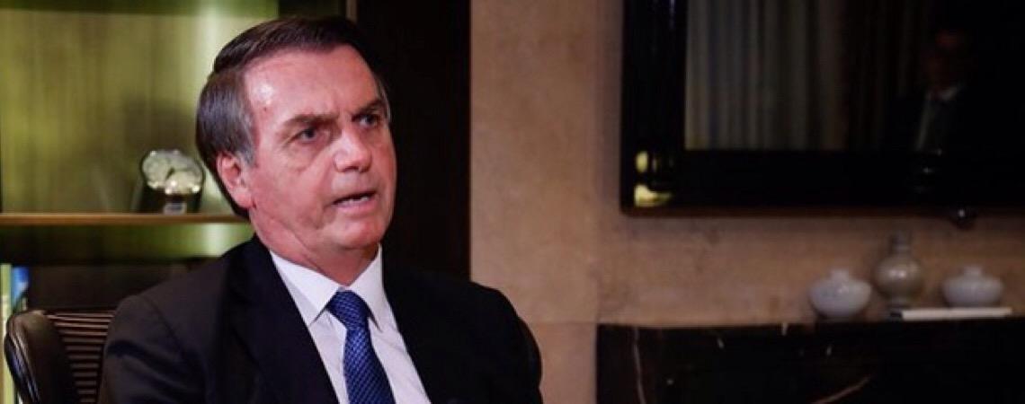 Bolsonaro defende escolas militarizadas.