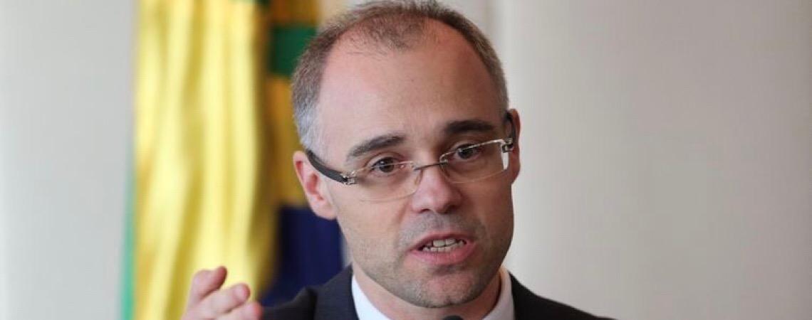 Advocacia-Geral da União proíbe advogados públicos de exercerem atividades privadas