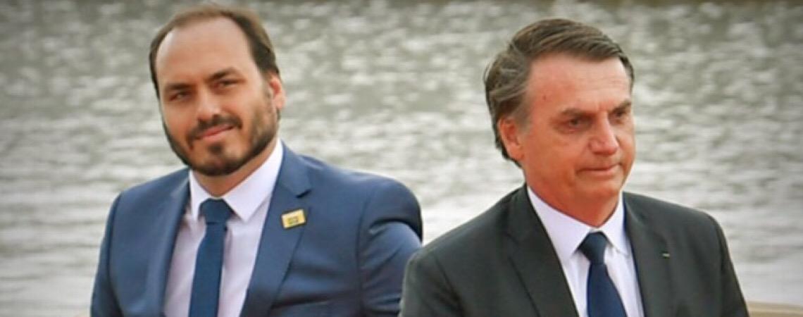 Presidente Jair Bolsonaro sai em defesa do filho Carlos após declarações polêmicas sobre democracia