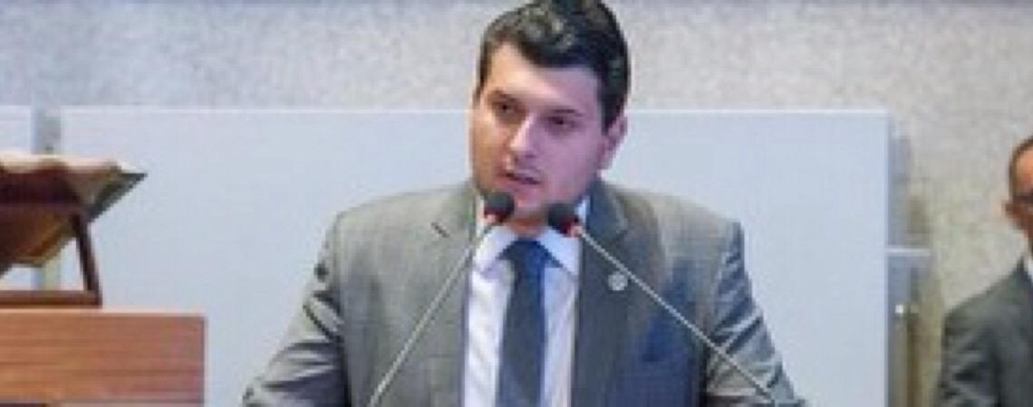 Deputados distritais indignados com secretários do Governo de Brasília