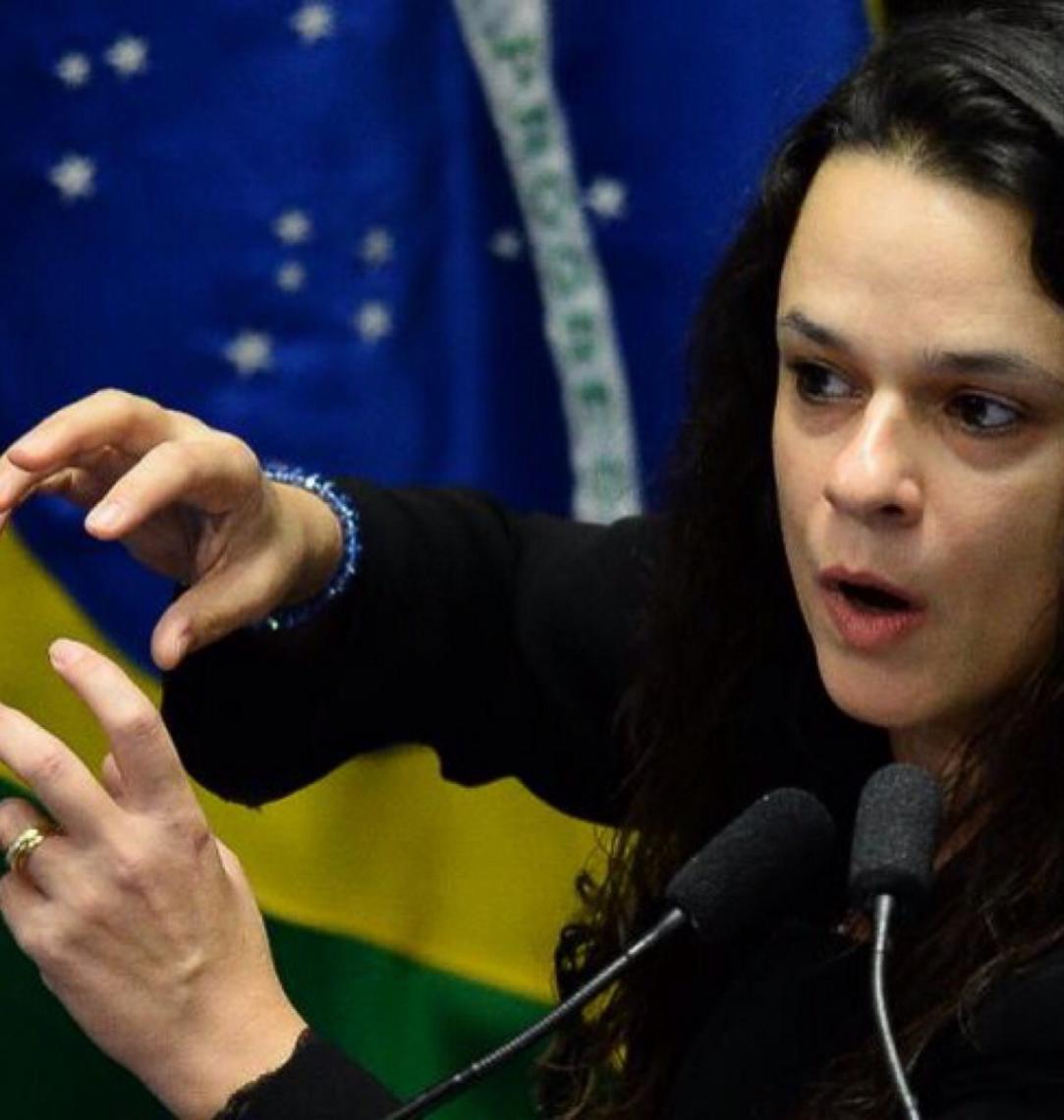 """Janaína Paschoal diz que Michel Temer trabalhou ao lado de Lula para """"minar Moro e salvar Dilma"""""""