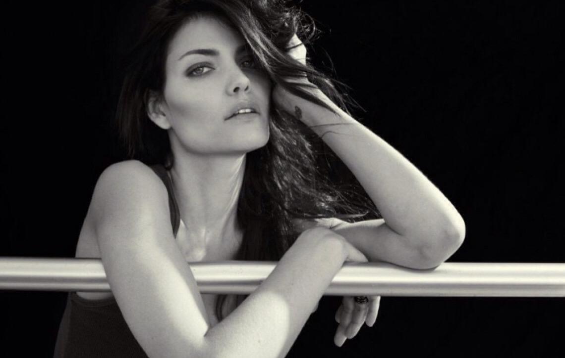 'Mercado da moda é responsável por 20% do lixo do planeta', diz modelo Luciana Curtis