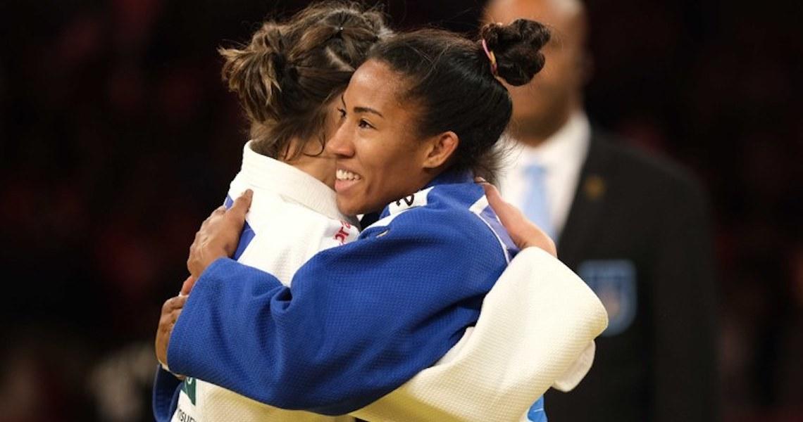 Brasileiras exibem boa fase do meio-médio e país leva mais quatro medalhas