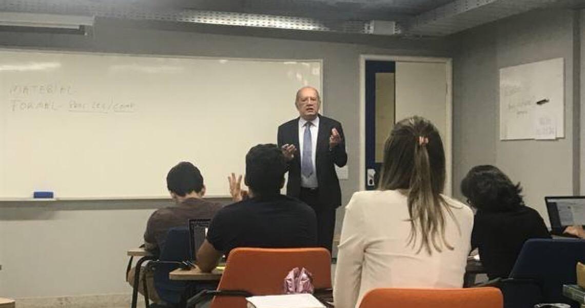 Na escolinha com o professor Gilmar Mendes em Brasília