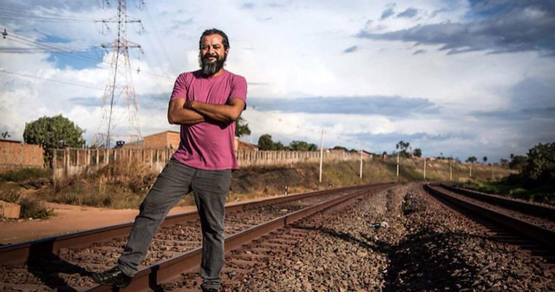 Vale pede prisão de professor que protestou contra crime de Mariana em 2015 em Minas Gerais