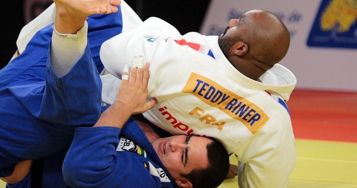 Teddy Riner derrota David Moura na final e chega a 152 lutas de invencibilidade