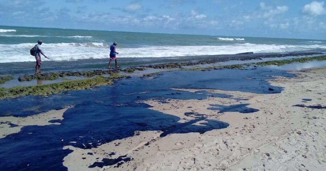 Marinha e Petrobras acham 'assinatura' da Venezuela em manchas de petróleo no Nordeste