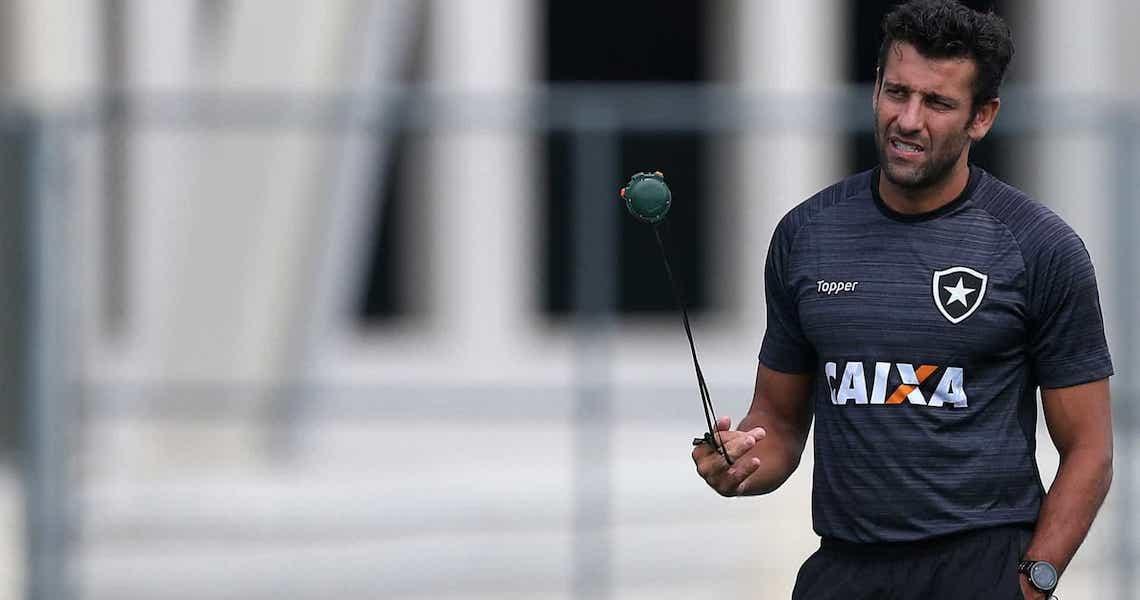 Valentim deixa o Avaí e deve assinar com o Botafogo