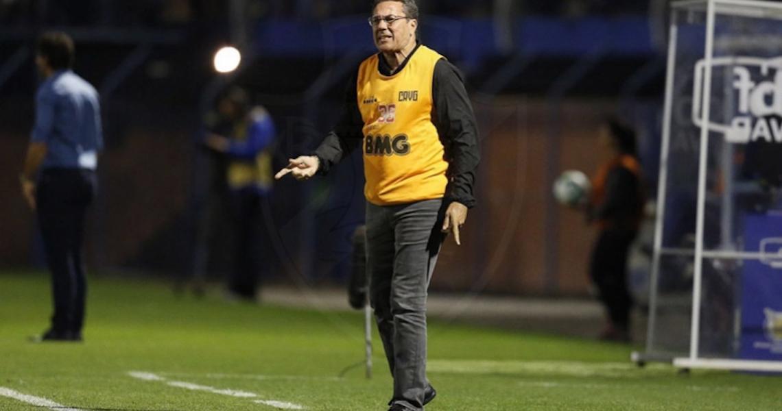Luxa diz que jogadores abriram mão do salário para Vasco pagar funcionários