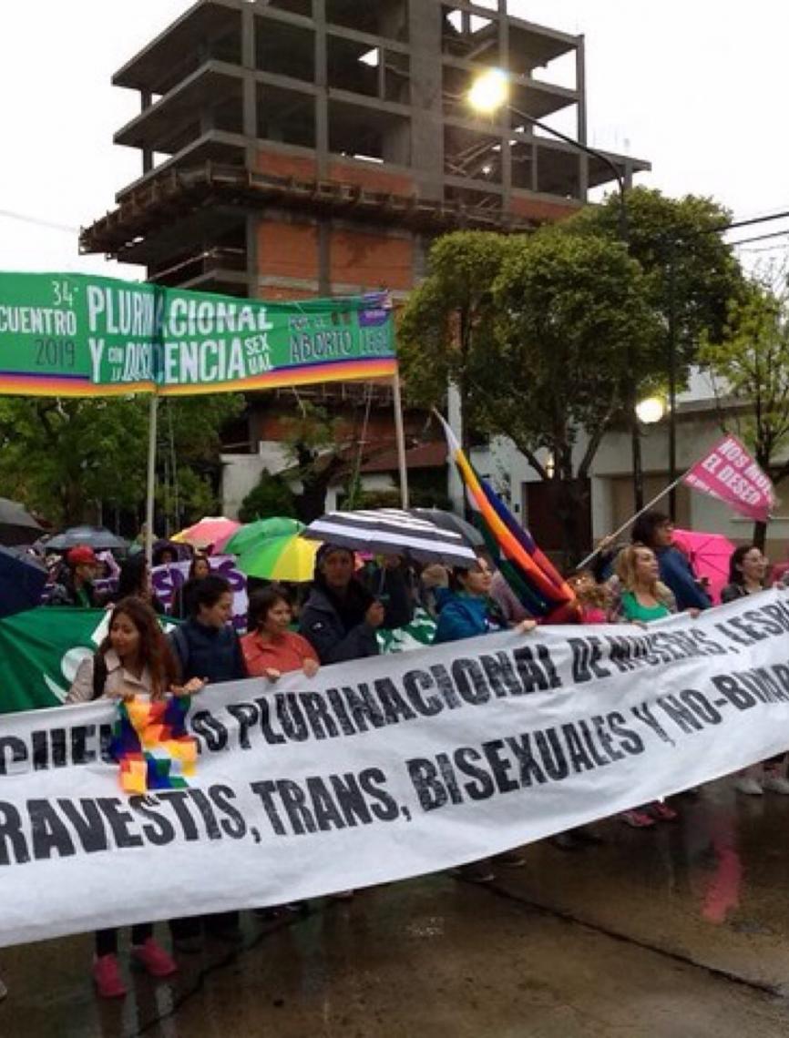 Mulheres argentinas realizam maior encontro da América Latina às vésperas de eleição