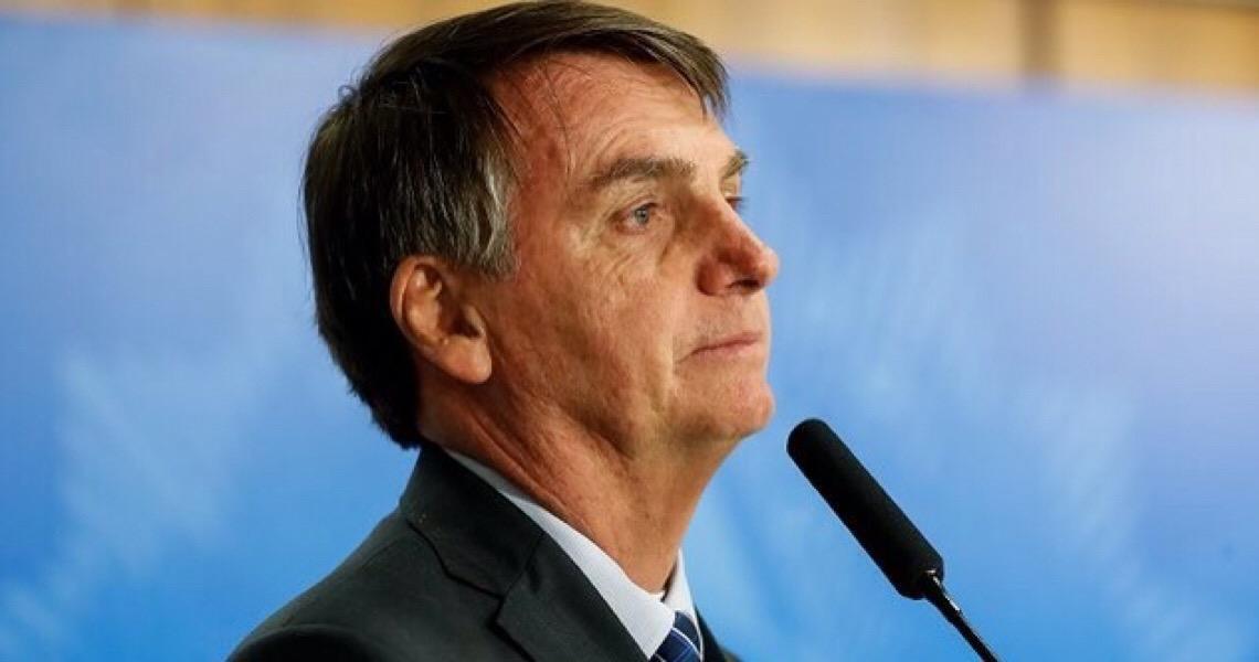 Jair Bolsonaro diz estranhar silêncio da ONU e de ONGs sobre óleo na costa Nordestina do Brasil