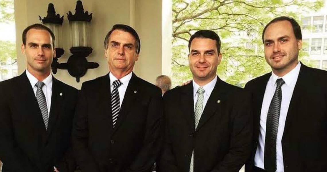 PSL discute saída do clã Bolsonaro e expulsão de deputados do partido