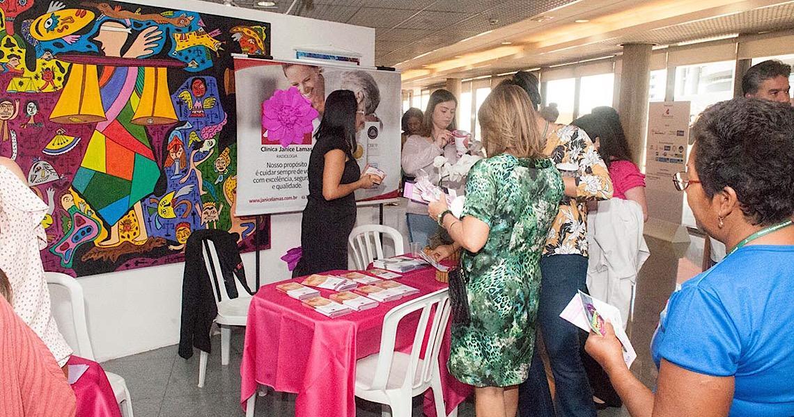 Direitos de mulheres com câncer de mama são destaque no Outubro Rosa