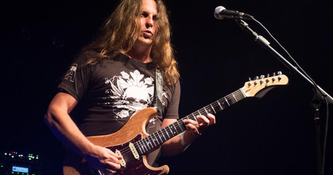 Guitarrista Eduardo Ardanuy Faz Participação especial ao Lado da Nova Orquestra nenhuma Projeto Led Zeppelin In Concert