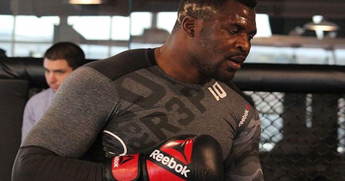Frustrado com falta de rival, Ngannou dispara contra o UFC: