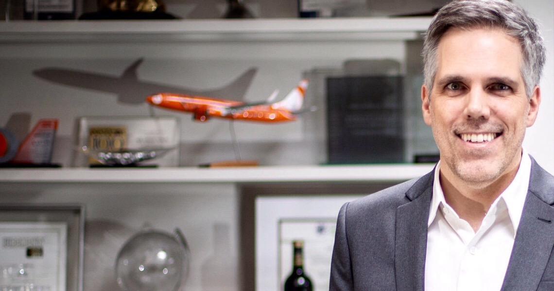 'Robô da Gol vai circular em aeroportos e responder a perguntas de passageiros', diz Paulo Kakinoff