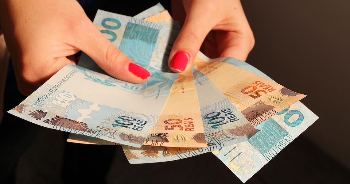 FGTS antecipado e 13º do Bolsa Família liberam R$ 14,5 bilhões extras na economia