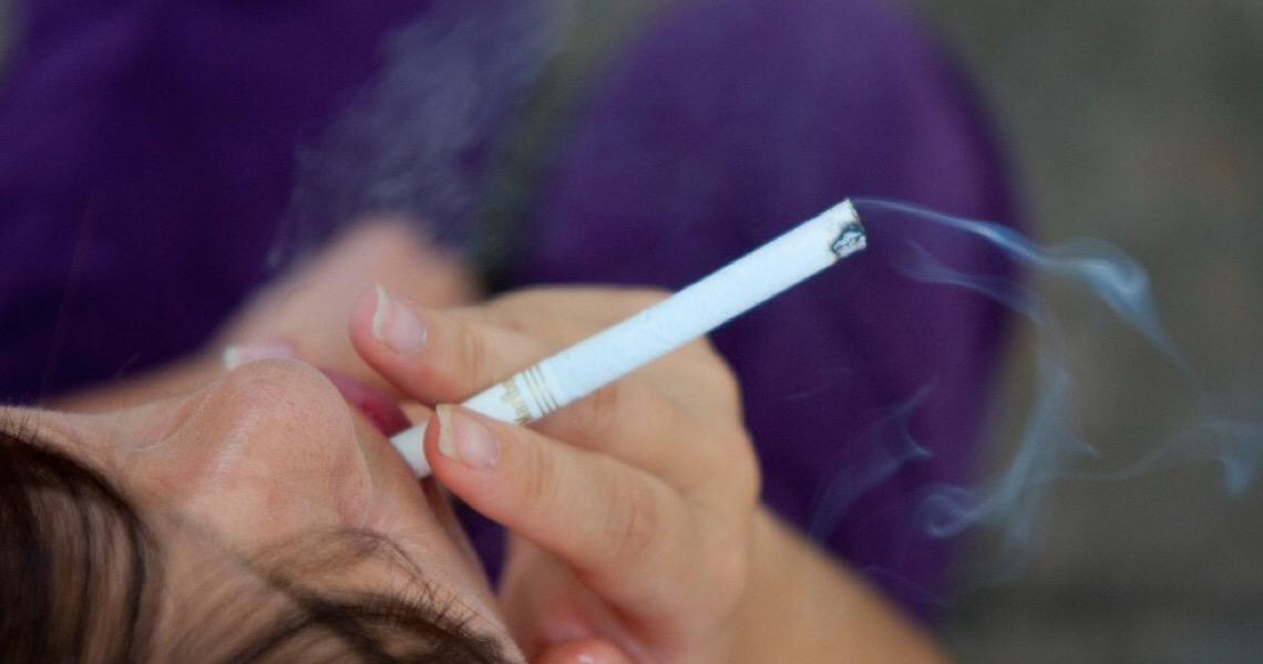 Em 12 anos, população adulta fumante no Distrito Federal cai pela metade
