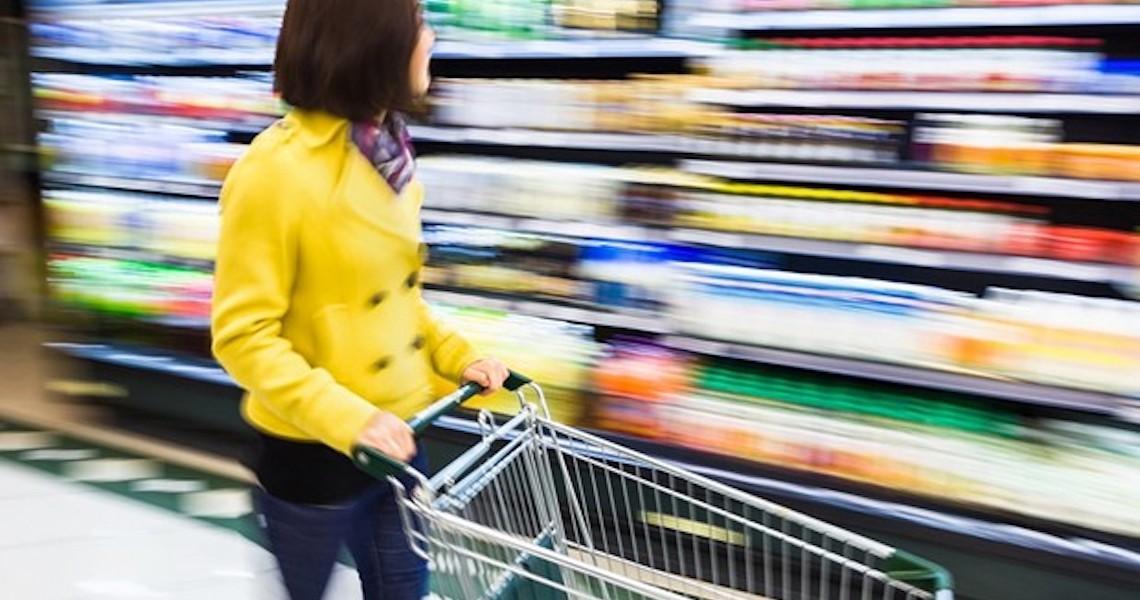 Por que o Brasil discute mudanças nas embalagens dos alimentos