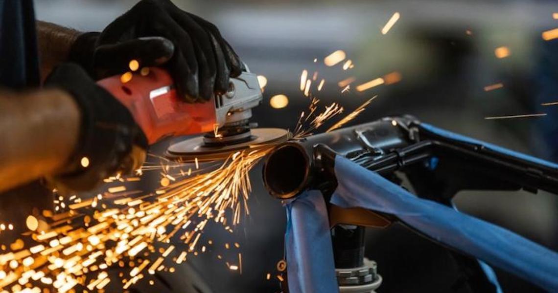 Produção industrial repete avanço de 0,3% em setembro, segundo dados do IBGE